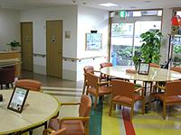 高齢者施設をイメージしない明るい施設